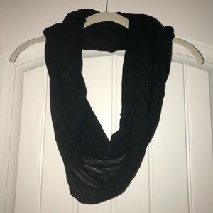 Forever 21 black infinity scarf